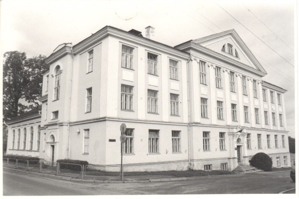 Karlova kool, Tartu
